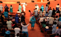 Congregation Worships
